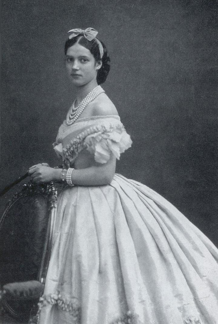 Tsaritsa Maria Feodorovna of Russia in Engagement Jewels