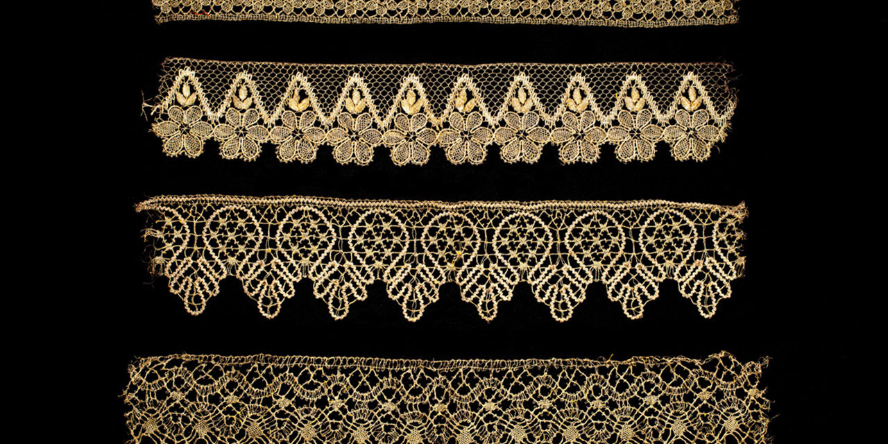 pillow/bobbin lace