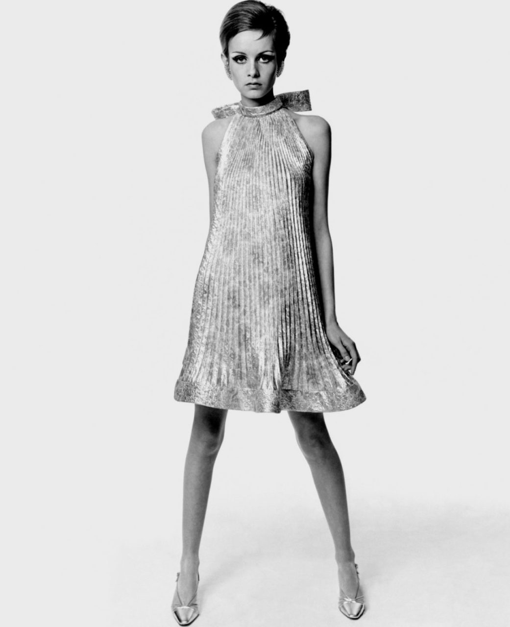 Twiggy is wearing Pierre Cardin