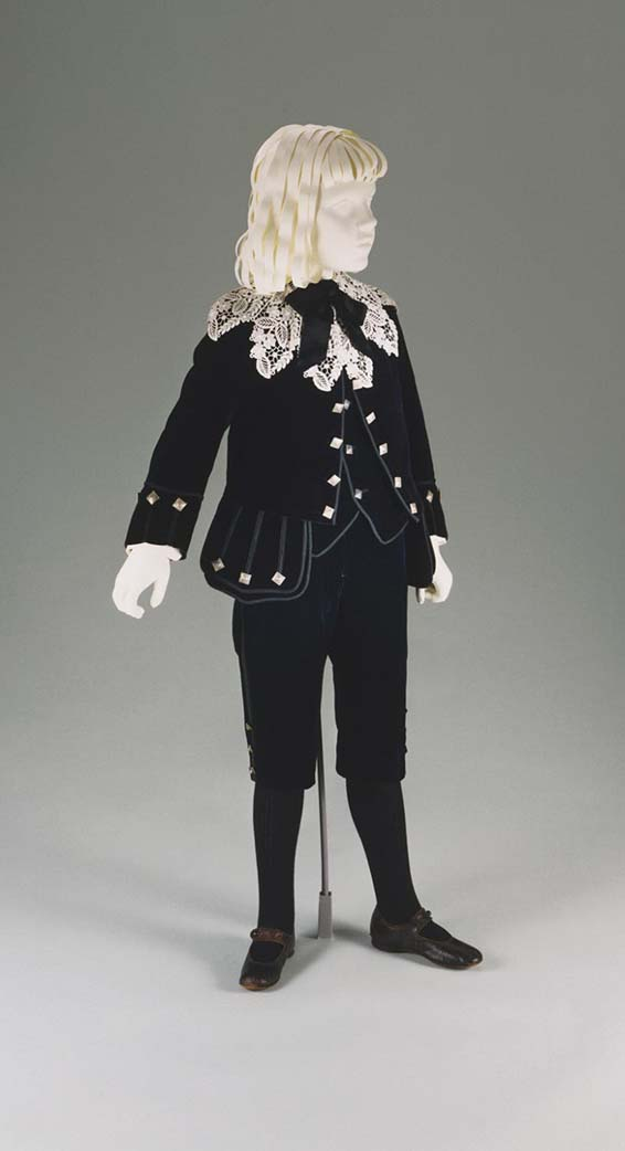 Boy's Little Lord Fauntleroy Suit