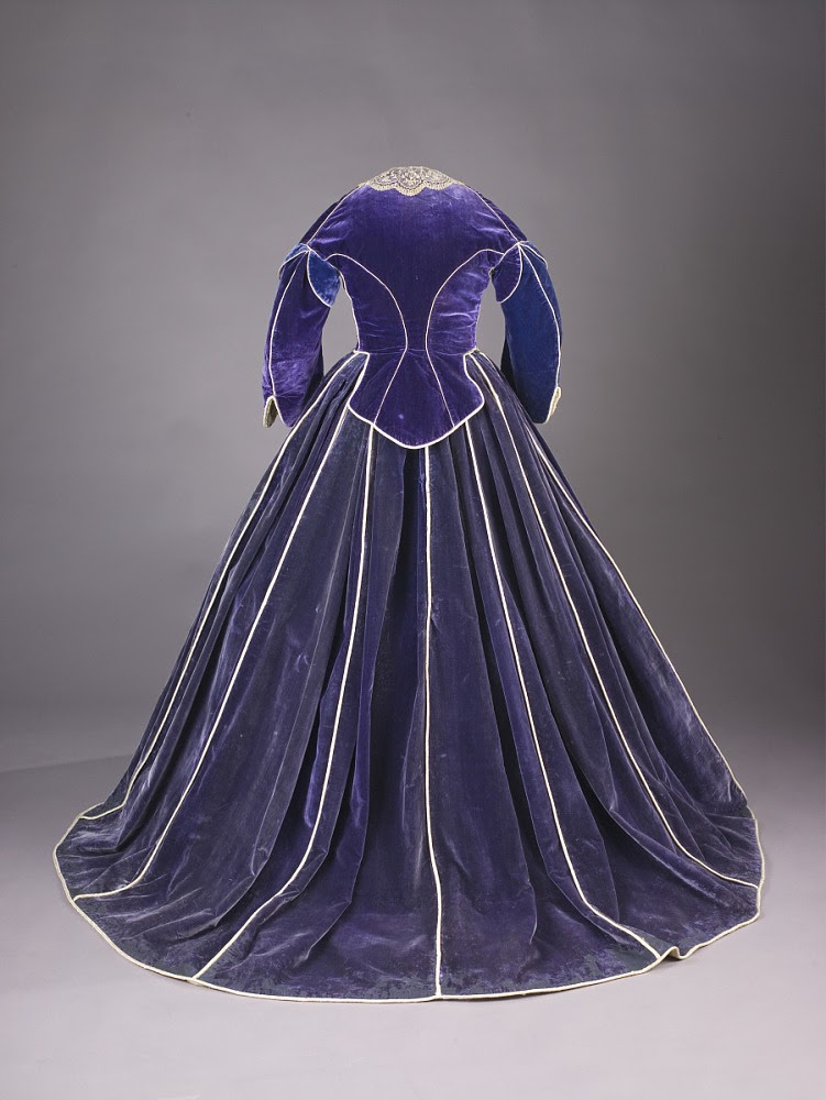 Mary Lincoln's dress - day bodice rear view