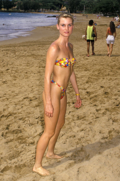 Nicolette Sheridan at the 1988 Kauai Lagoons Celebrity Sports Invitational