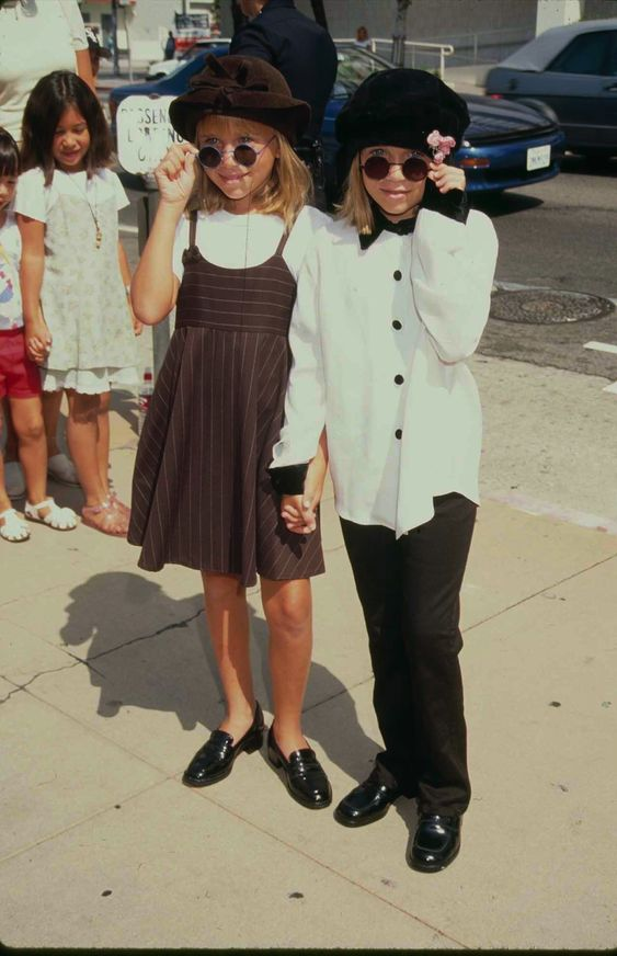 Mary-Kate and Ashley Olsen at the premiere of Alaska