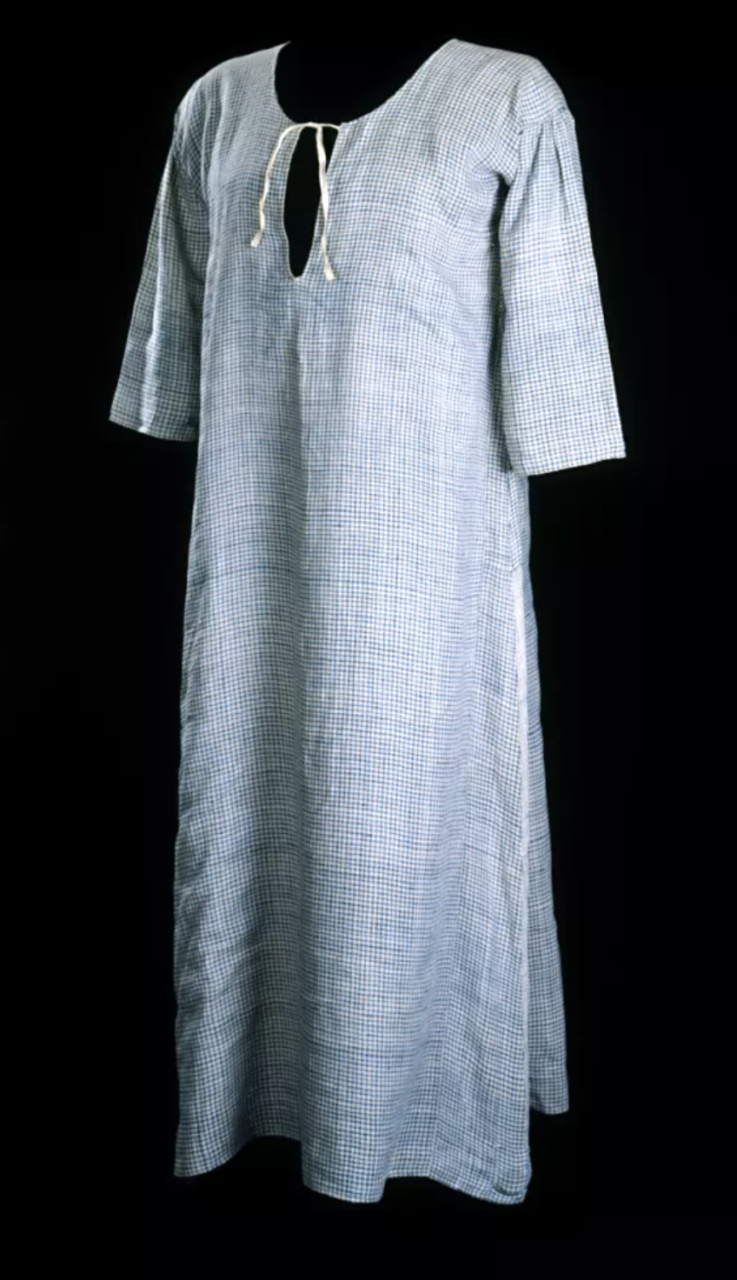 Bathing gown